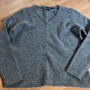Gap women's sweater size medium gray